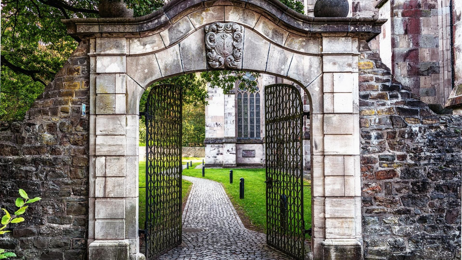 Le portail apporte une bonne dose de sécurité à votre habitation
